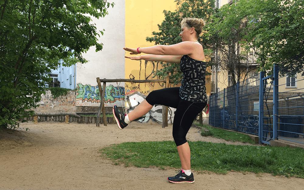 fruehsport_workout_stechschritt