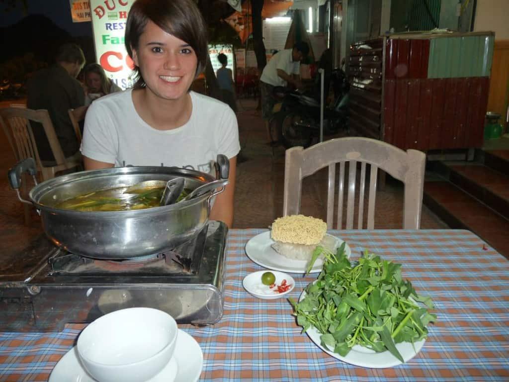 Lara auf Cat Ba, Vietnam (2012)