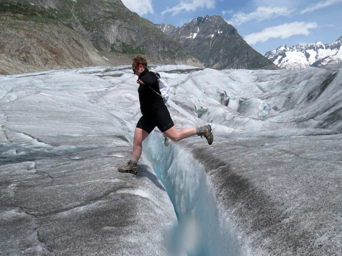 … und ich springe über die Gletscherspalte!