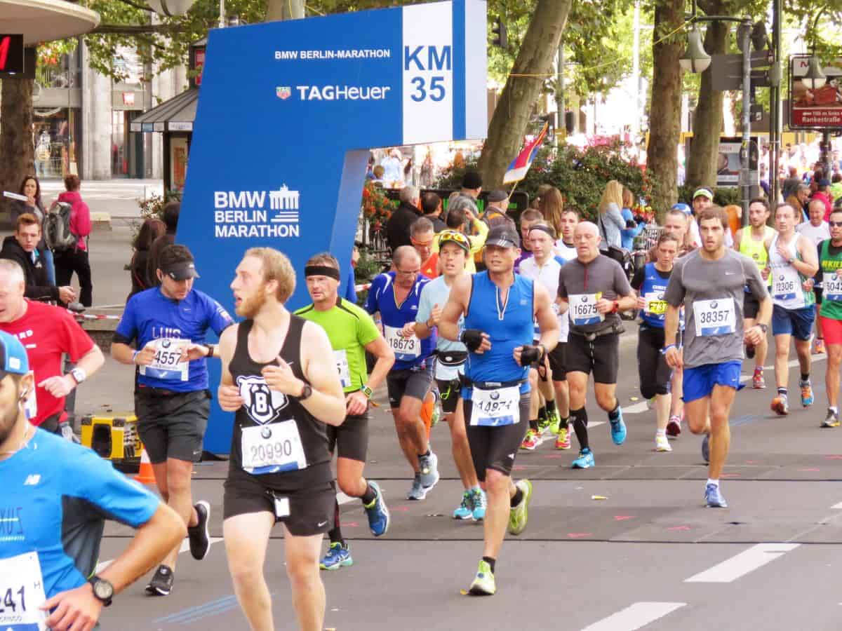 r ckblick jubelst rme beim 42 bmw berlin marathon werbung go girl run. Black Bedroom Furniture Sets. Home Design Ideas
