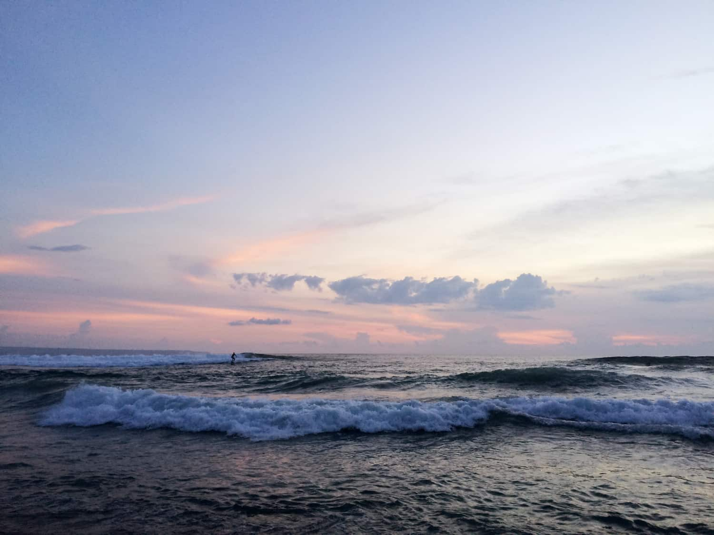 gogirlrun_bali_indonesien_canggu_surfen_1
