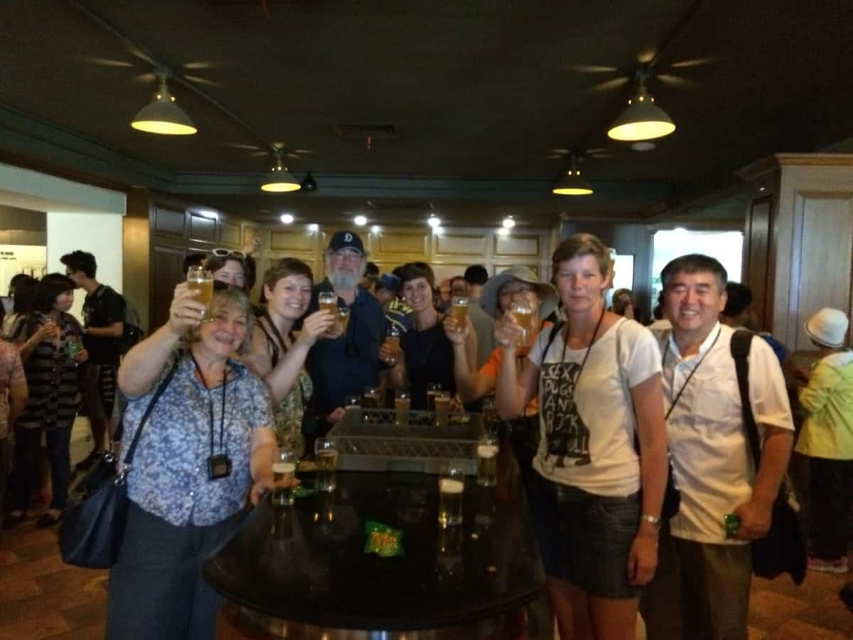Bierverkostung in der Tsingtao Brauerei
