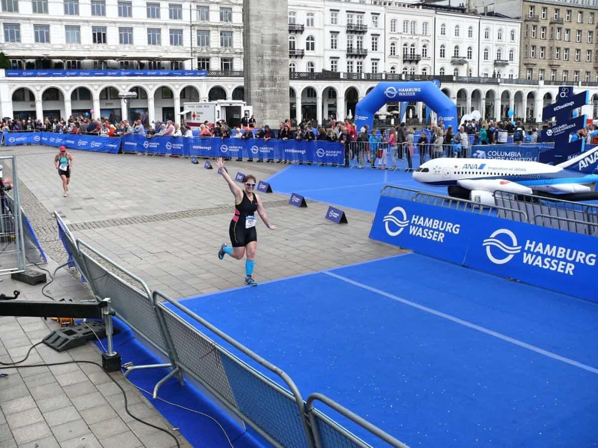 Zieleinlauf beim Hamburg Triathlon