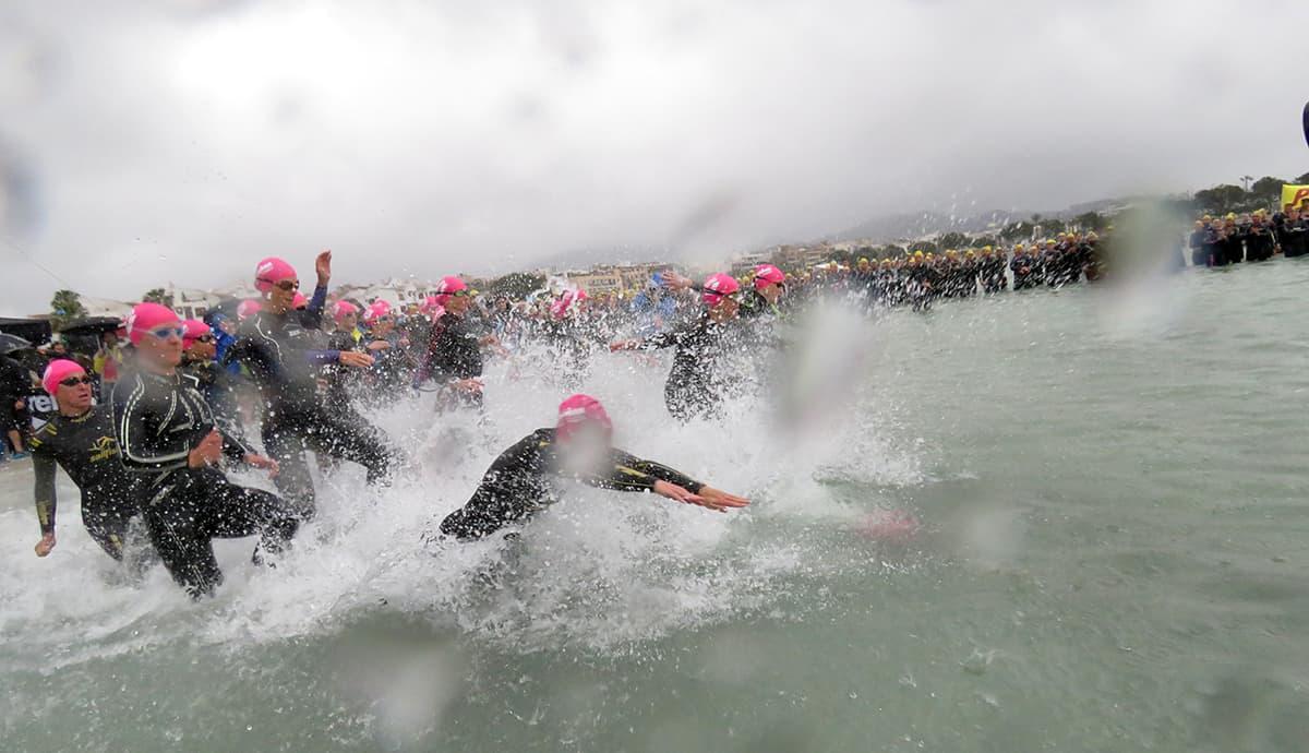 Schwimmstart beim IRONMAN 70.3 Mallorca