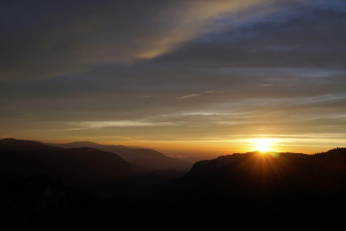 Sonnenaufgang am Creux du Van