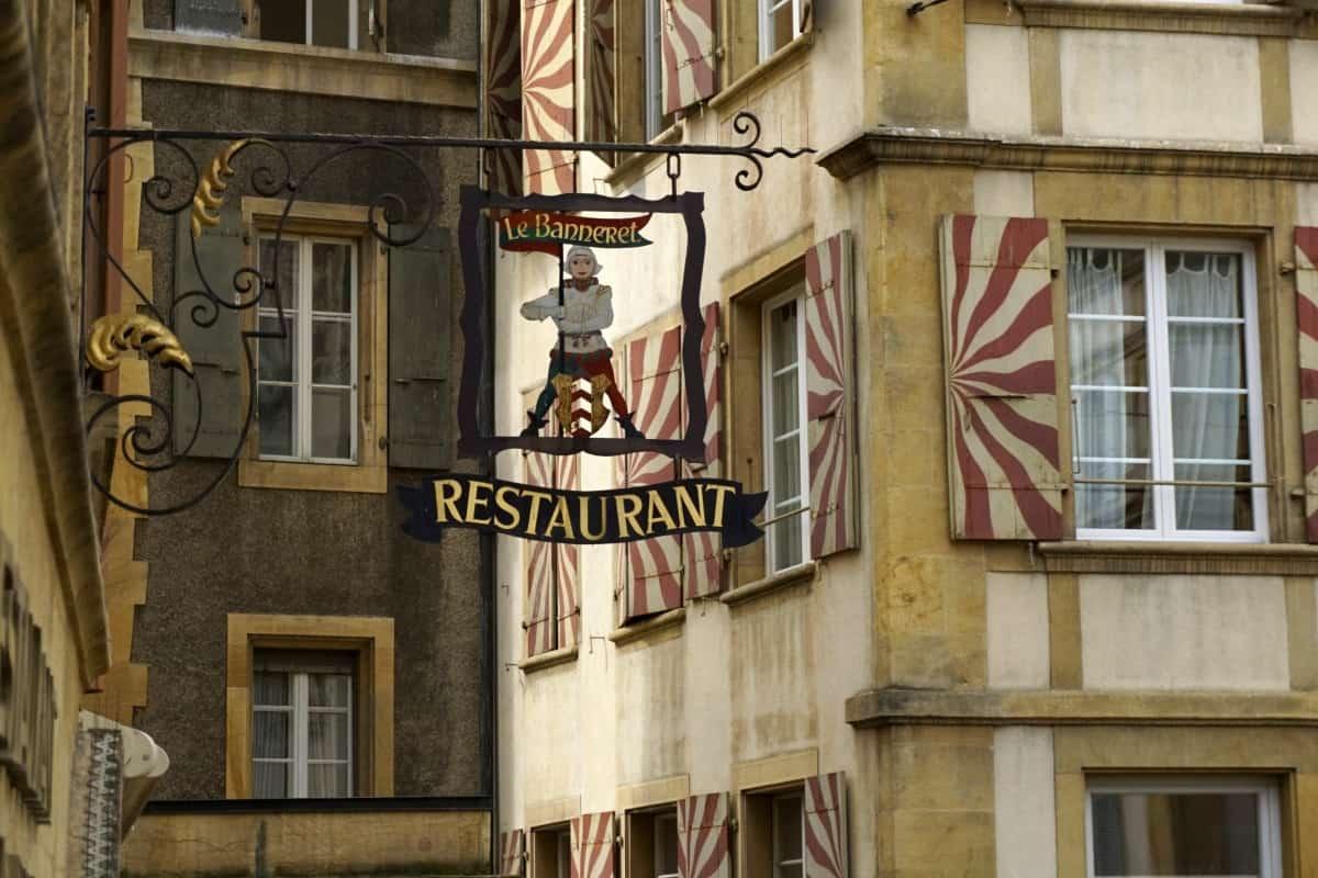 Stadtbummel in Neuchâtel