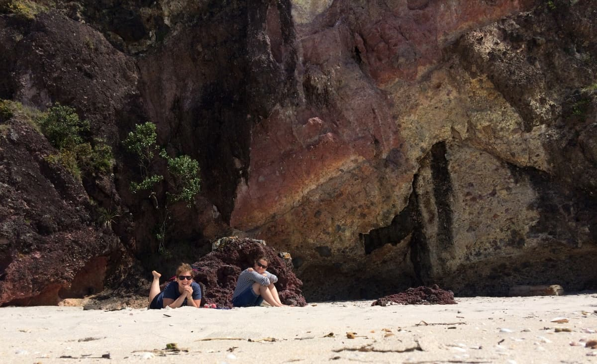rundreise-neuseeland-coromandel-new-chums-beach-hanging