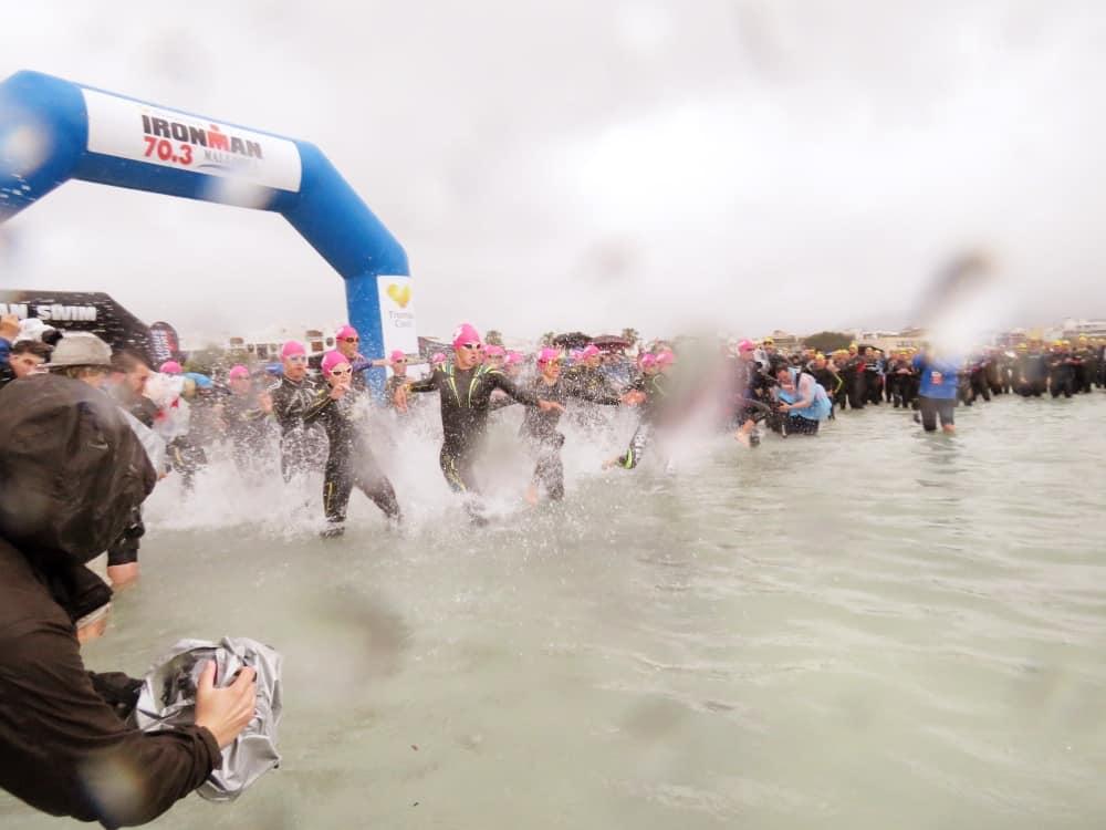 Schwimmstart Frauen Mallorca 70.3.