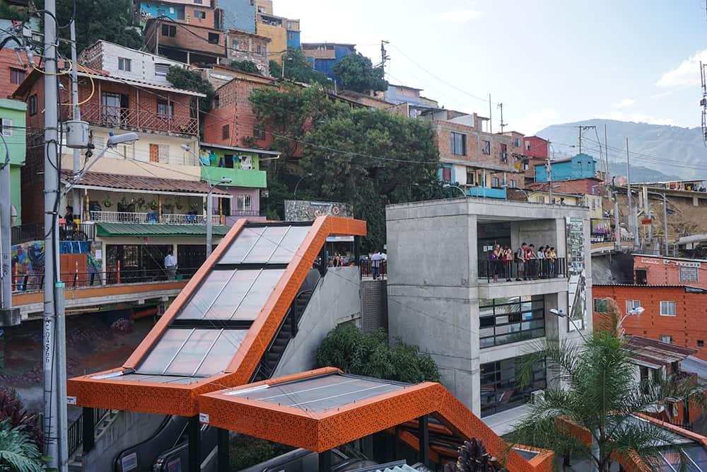 Rolltreppen in der Comuna 13 in Medellín